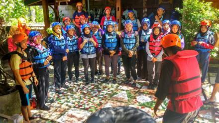 TARUNASARI MENGIKUTI PELATIHAN PEMANDU KARST RIVER TUBING SOBO NDESO